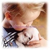 niño con mascotas